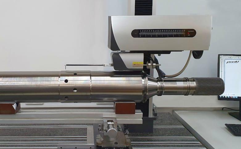 Pankl misst eine Antriebswelle mit der SURFCOM NEX 030