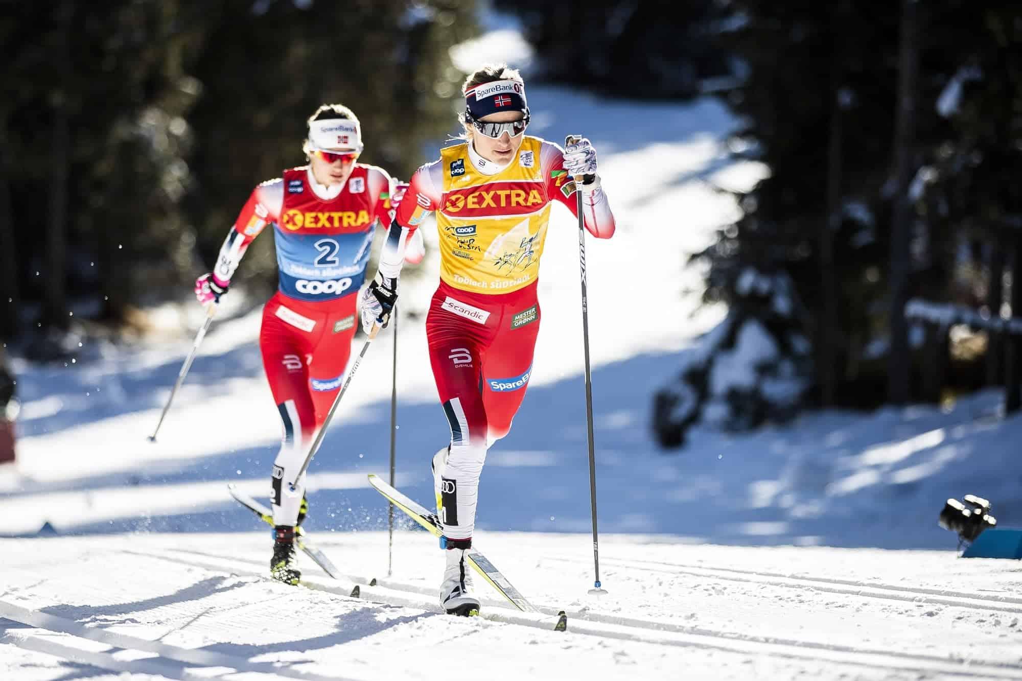 Langläufer mit Ski der Fischer Sports GmbH